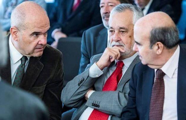 Chaves (i), Griñán (c) y Zarrías