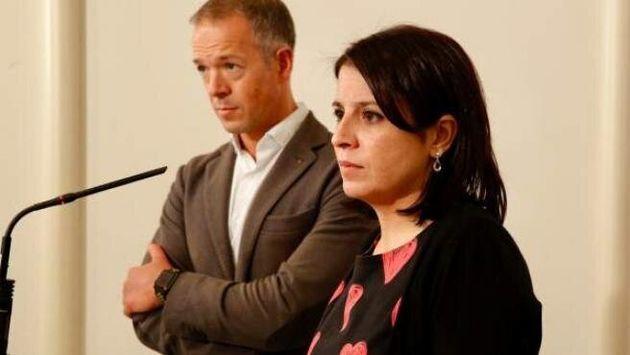 Ander Gil y Adriana Lastra, portavoz en el Senado y vicesecretaria general del