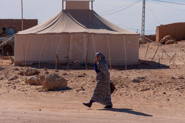 Una mujer, en un campamento de refugiados saharahui de Tinduf