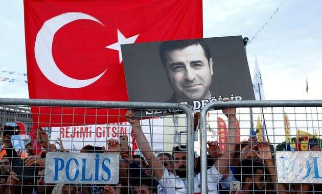 Στο νοσοκομείο ο φυλακισμένος ηγέτης του κουρδικού κόμματος της Τουρκίας