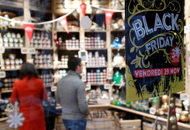 Affiche annonçant les promotions du Black Friday dans un magasin de Nantes, le 29 novembre