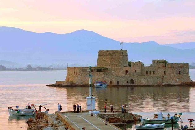 Ναύπλιο: Ο δεκάλογος του έμπειρου ταξιδιώτη για μια τέλεια