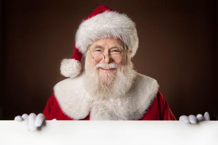 Articulista do HuffPost reflete sobre Papai Noel inacessível, que discrimina parte das crianças.