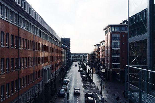Ολλανδία: Οκτώ συλλήψεις για τουλάχιστον τρεις ομαδικούς βιασμούς κοριτσιών 15-16