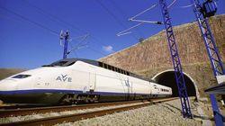 Renfe suspende 155 trenes de AVE y Media Distancia por la huelga del día