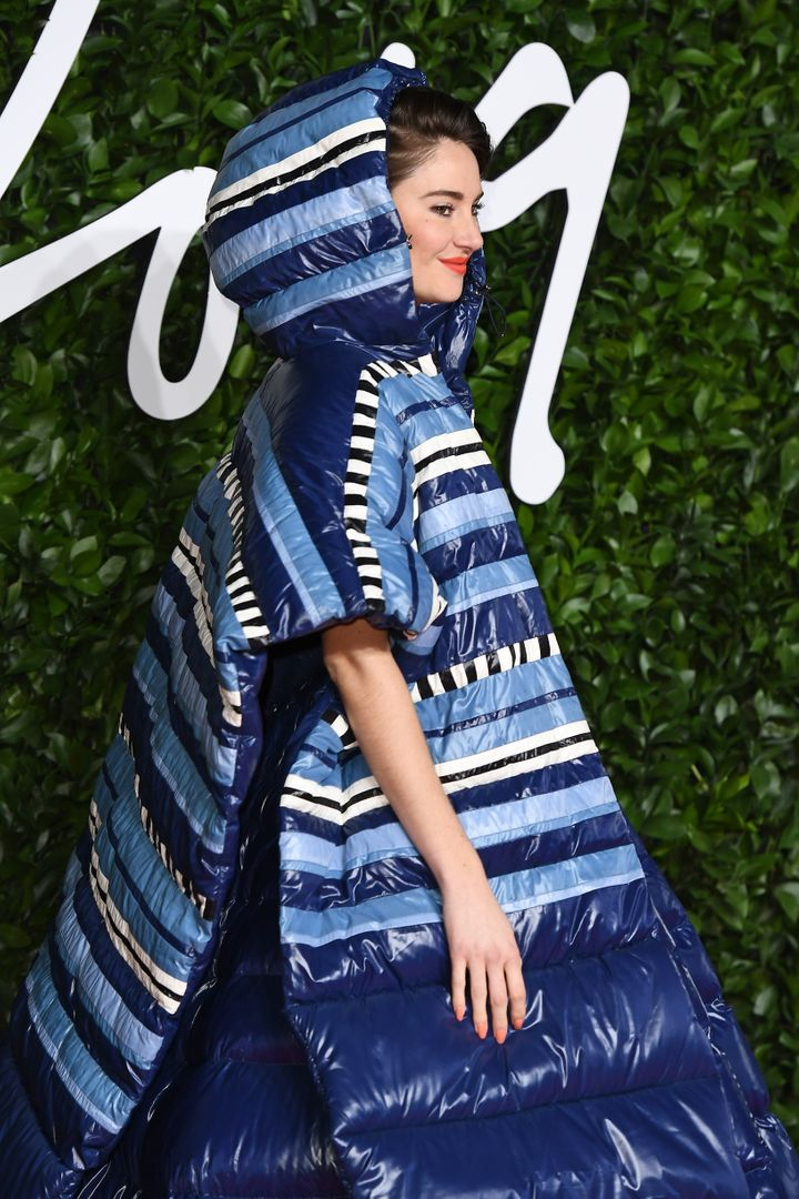 Westlake Legal Group 5de66adf1f0000f231df0440 Shailene Woodley Wore An Outrageous, Oversize Sleeping Bag On The Red Carpet
