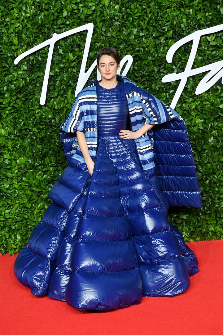 Westlake Legal Group 5de66b3f1f0000e831df0441 Shailene Woodley Wore An Outrageous, Oversize Sleeping Bag On The Red Carpet