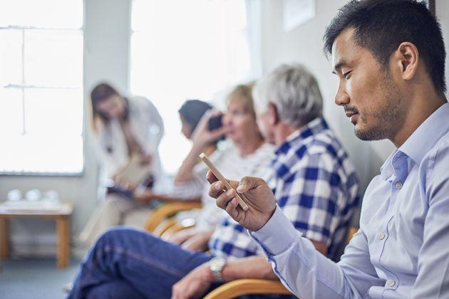Délais en santé: les Québécois ouverts aux consultations