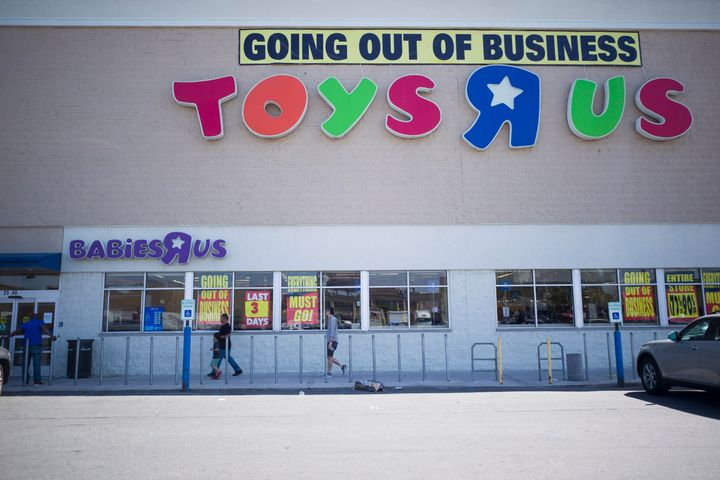 A Toys 'R' Us store in New York City advertises a clearance sale ahead of its closure in June 2018. The retailer's collapse p