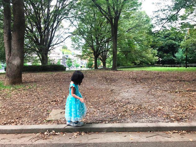 「アナ雪」は新しいプリンセス像を描いてるけど…。娘に絵本『村娘と王女』を読んでほしい理由