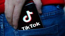 TikTok accusée de transférer des données en