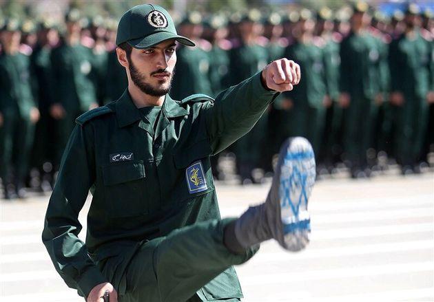 Ιρανός μέλος των Φρουρών...