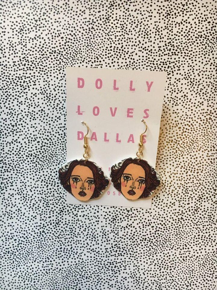 "<a href=""https://fave.co/2Yfi6ld"">Fleabag Earrings, Dolly Loves Dallas, Etsy, </a>&pound;16.50"