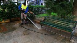 Καθάρισαν 5 πλατείες στους Αμπελοκήπους: «Η Αθήνα είχε να πλυθεί 4