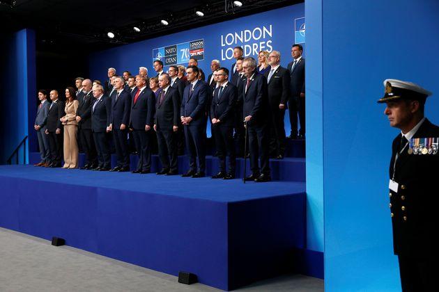 Το Κρεμλίνο αποδοκιμάζει την αύξηση των αμυντικών δαπανών του