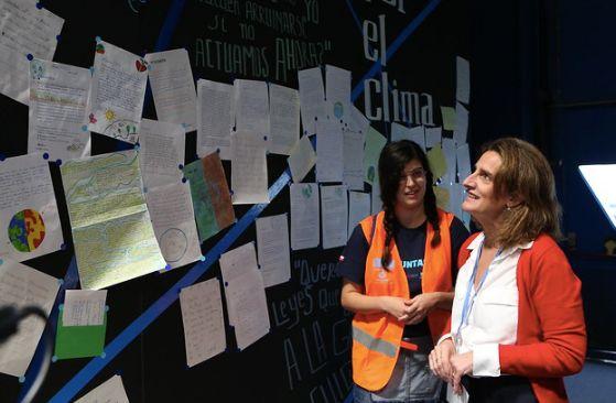 Teresa Ribera visitando la Zona