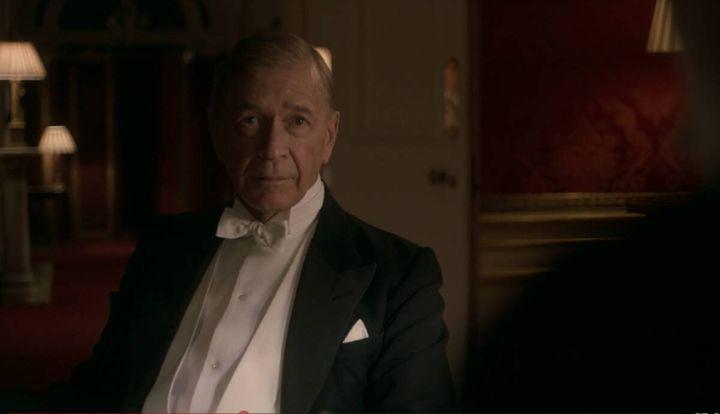 Clive Arrindell, el calvo de la lotería, en 'The Crown'.