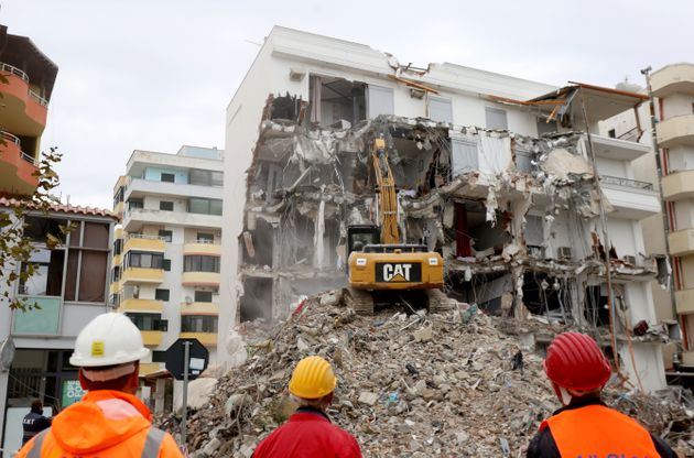 Terremoto Albania, quanto è illegalità e quanto calamità
