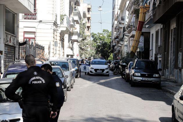 Δύο συλλήψεις σε επιχείρηση της Αστυνομίας σε κτίριο στα