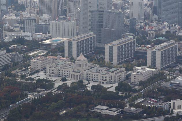 上空から見た国会議事堂。12月9日に臨時国会は会期末を迎える