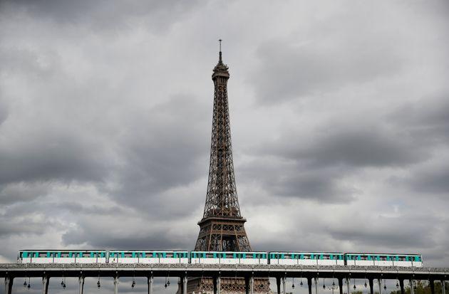 La grève oblige la Tour Eiffel à fermer, faute d'effectifs