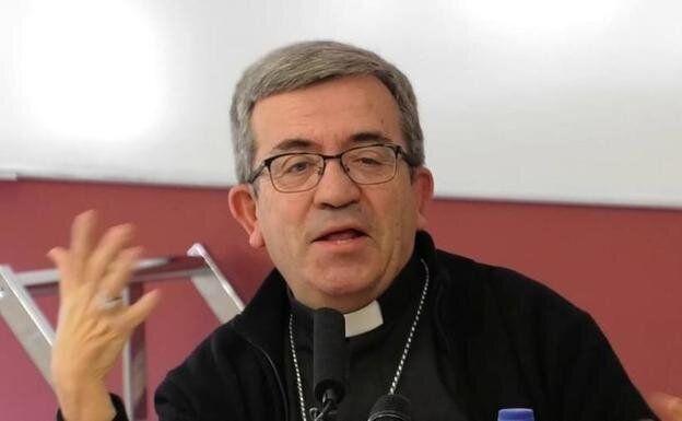 El secretario general de la Conferencia Episcopal Española (CEE), Luis