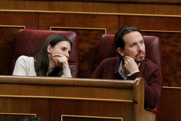 El líder de Unidas Podemos, Pablo Casado, y la diputada Irene