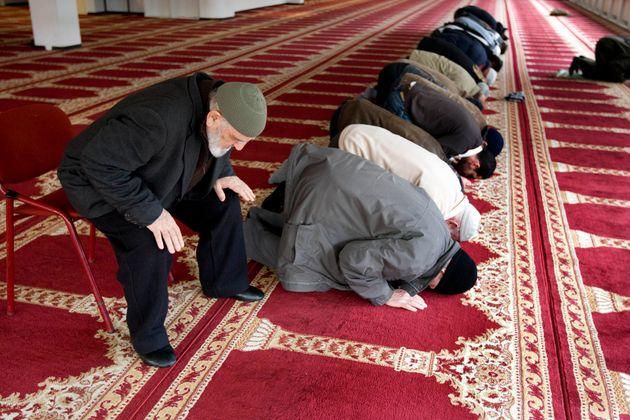 La Consulta boccia la legge anti-moschee della Lombardia: