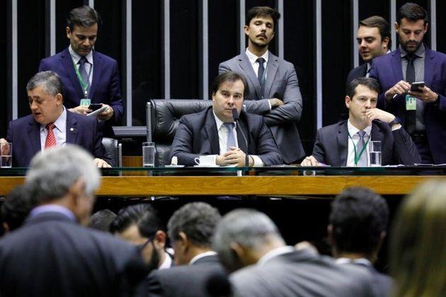 Comissão Mista de Orçamento (CMO) aprovou valor de R$ 3,8 bilhões para o Fundo Eleitoral...