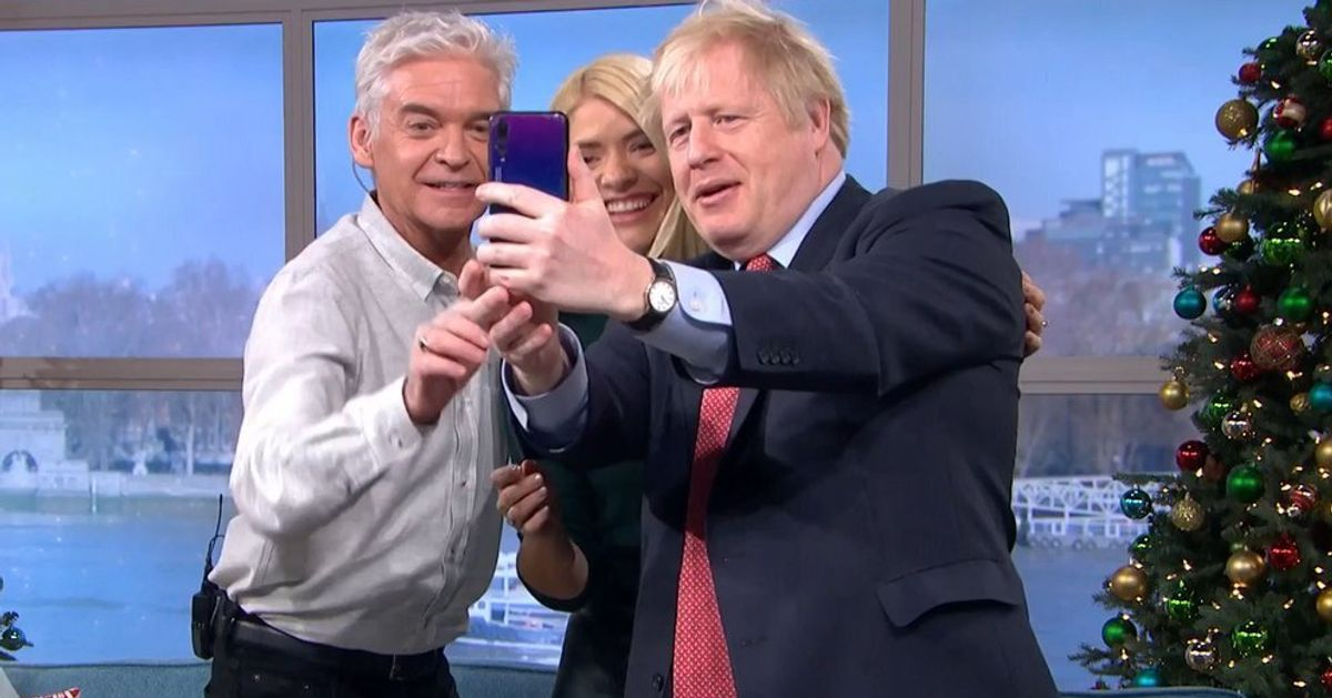 Phillip Schofield Defends 'Shameful' Selfie With Boris Johnson