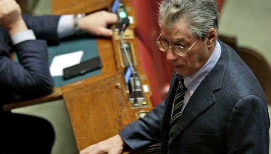 PERDONATO - Mattarella (e Napolitano) concedono la grazia a Bossi. II Senatur