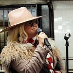 Would You Recognize This Subway Busker As Alanis