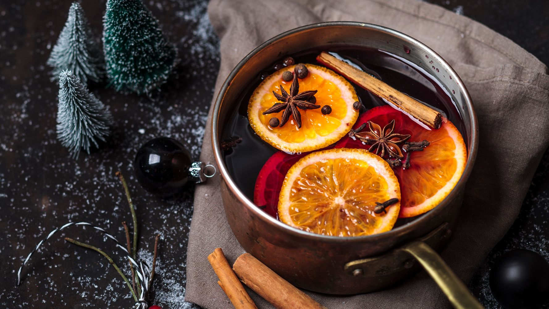 Holiday Drinks Without Alcohol That Everyone Can Enjoy