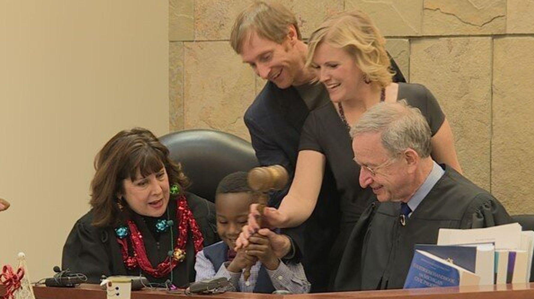 Westlake Legal Group 5de9da4e1f0000143cdf09cc Kindergarten Class Represents At Pal's Final Adoption Hearing