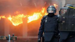 프랑스 마크롱의 연금 개혁에 반대하는 대규모 시위가 이틀째
