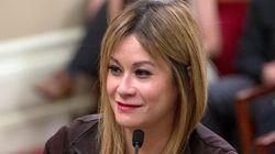 난데없이 '남자 성기 사진' 받은 여성 의원은 '딕픽 금지 법안'을 발의할