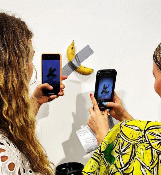 미국 마이애미에서 테이프 붙인 바나나가 1억 4천만원에