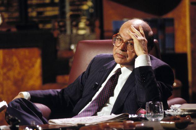 """La """"questione Craxi"""" è un nodo politico che investe l'intera"""