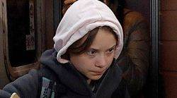Cachondeo por un detalle en esta foto de Greta Thunberg a su llegada a Madrid: mira bien sus