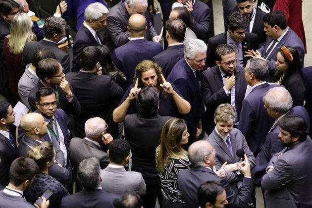 Oposição tem sido mais aguerrida com governo Bolsonaro, ao menos na tentativa de derrubar...