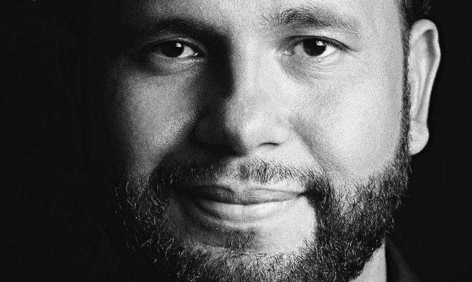 Henrique Vieira, de 32 anos, além de ser pastor da Igreja Batista do Caminho, é ator, poeta...