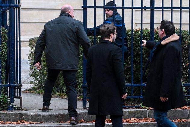 Willy Bardon, ici arrivant avec ses avocats devant le tribunal d'Amiens le 21 novembre