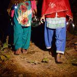 또 네팔에서 생리 때문에 헛간에 격리된 여성이