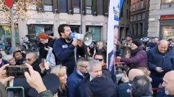 Salvini ai gazebo per le firme contro il Mes: