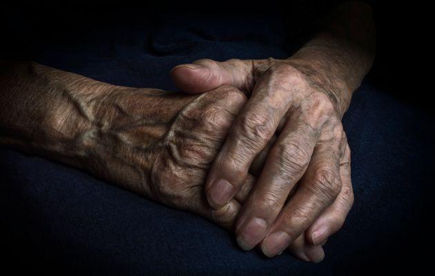 Nel Torinese madre 85enne uccide figlia disabile a martellat