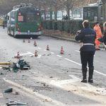 Morta donna coinvolta nell'incidente a Milano. Filobus passato col