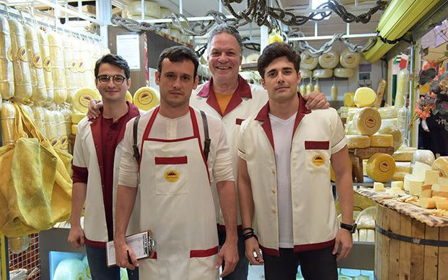 César Cardadeiro, Guilherme Dellorto, Ernani Moraes e Miguel Coelho no Mercadão