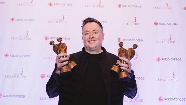 Mike Ward a remporté quatre statuettes au 21e gala Les Olivier.