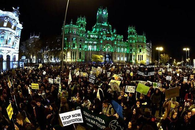 マドリードで行われた気候デモの様子 12月6日2019年