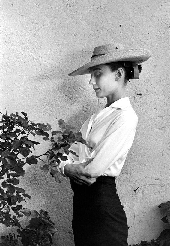 Mexico. Durango. 1959. Actress Audrey Hepburn during filming of